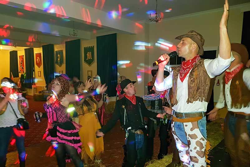Karaoke-DJ-Hire-North-East