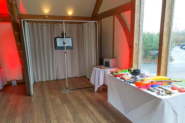 Photo Booth Open Air Package with Props and Unlimited Prints